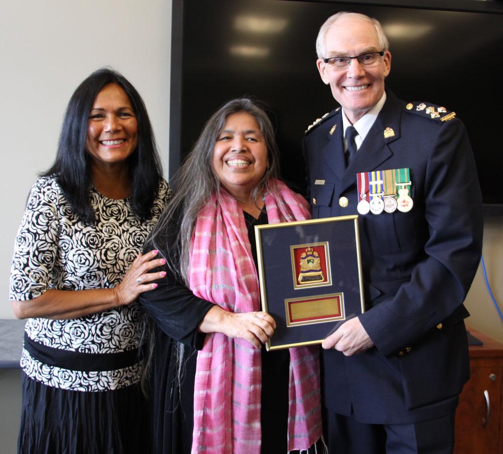 Elders honoured with SPS badges