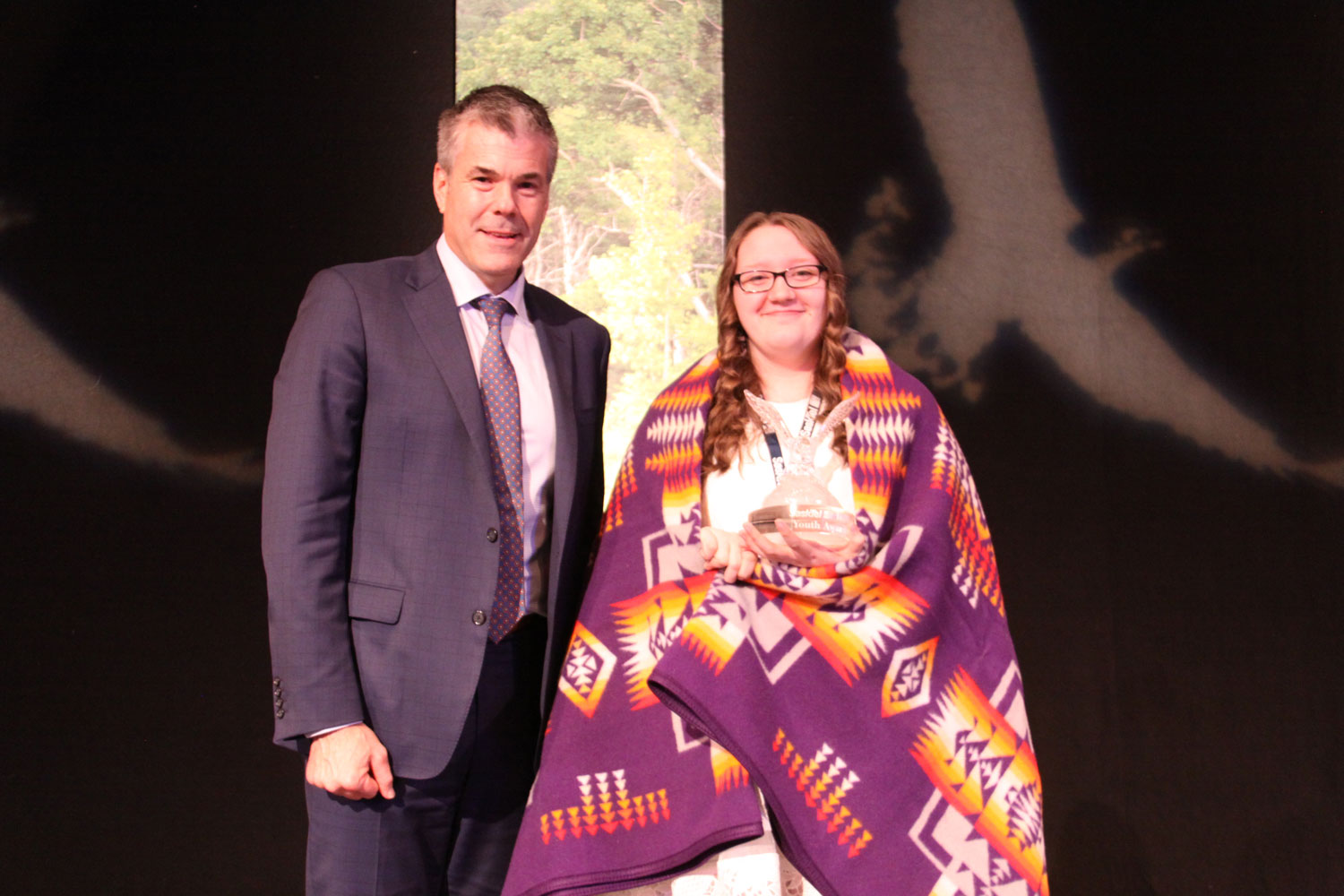 Scott Bradley of Huawei presented the Technology/Science award to Deserae Goodhand
