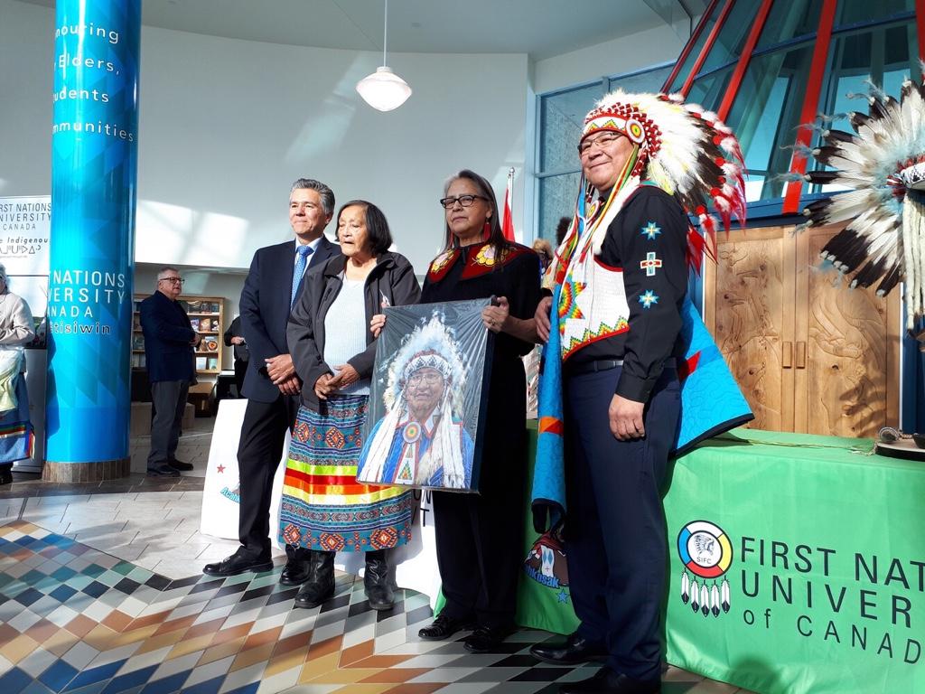 Signing ceremony makes atim kâ-mihkosit urban reserve official