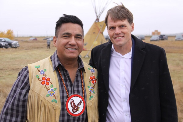 Kahkewistahaw Chief Evan Taypotat with Saskatoon Mayor Charlie Clark